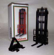 Beco 012 Stapelhubgerüst in schwarz