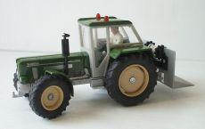 3469 Schlüter Super 1050 V in grün  mit Forstschild