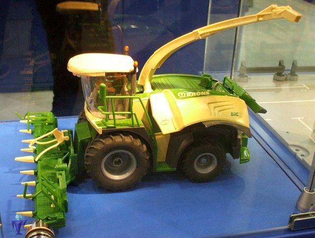 SIKU Farmer Krone BiG X 580 Maishäcksler Spielzeugautos & Zubehör