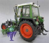 1011 Fendt Geräteträger 360 GT mit Rübenhacke
